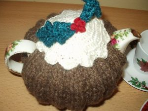 Easy Tea Cozy Pattern for Christmas