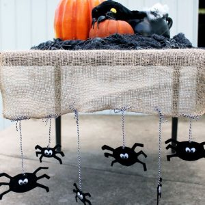 Halloween Table Runner Idea