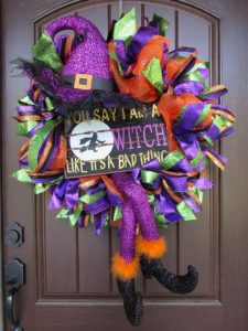 How to Make a Halloween Mesh Wreath