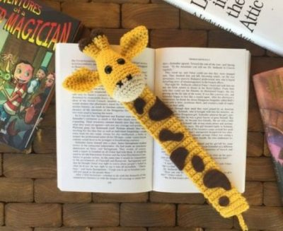 Crochet Giraffe Bookmark