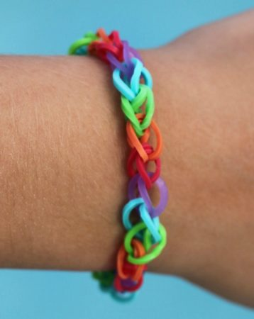 How to Make Rainbow Loom Bracelet