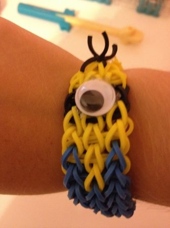 Rainbow Loom Minion Bracelet Pattern