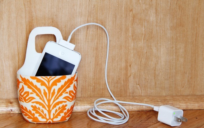 Cell Phone Chargre Hanger