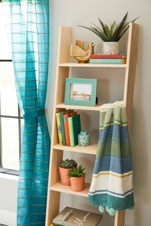 How to Build a Ladder Bookcase