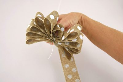 How to Tie a Loopy Bow Wreath
