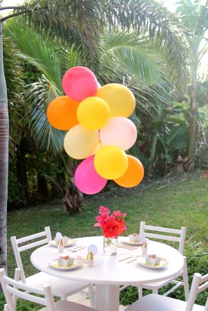 Making a Balloon Chandelier