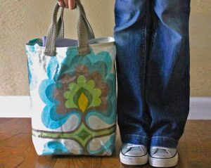 How to Make a Tote Bag with a Flat Bottom