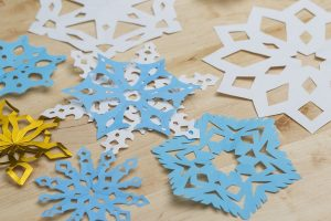 How to Cut out Snowflake Instructions