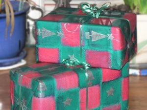 Wrapping Presents without Tape